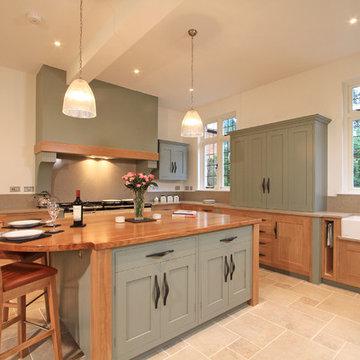 In-Frame Oak & Painted Shaker Kitchen in Farrow & Ball Pigeon