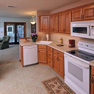 Traditional kitchen photos - Kitchen - traditional kitchen idea in Philadelphia