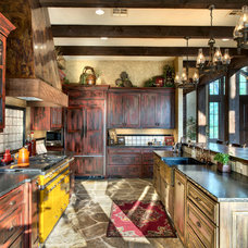 Rustic Kitchen by Ellis Custom Homes LLC