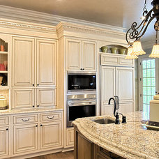 Traditional Kitchen by Indigo Kitchen & Bath