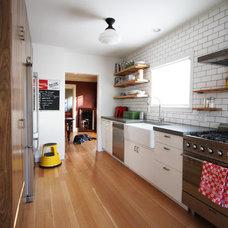 Industrial Kitchen by bright designlab