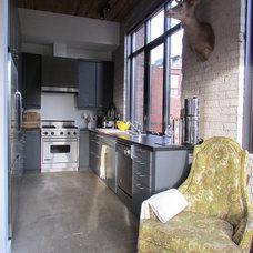 Industrial Kitchen by Jenn Hannotte / Hannotte Interiors