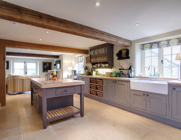 Inframe Shaker Kitchen Painted in Farrow and Ball Mouse's Back and London Clay