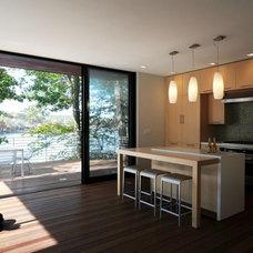 Modern Kitchen by Nautilus Architects LLC