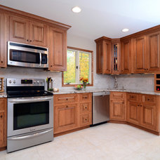 Traditional Kitchen by IMAGE FLOORING, KITCHEN & BATH