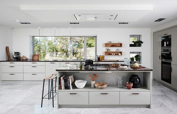 Contemporary Kitchen by Gerald Culliford Ltd