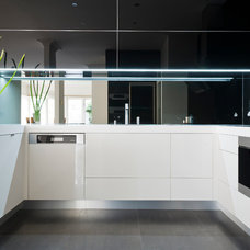 Modern Kitchen by Albedor Industries Pty Ltd