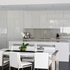 Modern Kitchen by Albedor Industries Pty Ltd