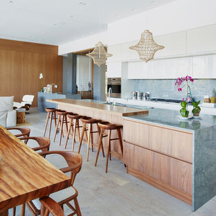 75 Beautiful Tropical Galley Kitchen Pictures Ideas April 2021 Houzz
