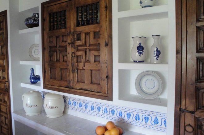 Mediterranean Kitchen by Ana Alicia Wilmer Vacalis