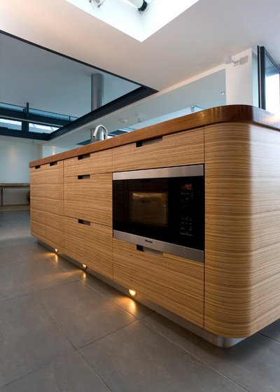 Contemporary Kitchen by Artichoke