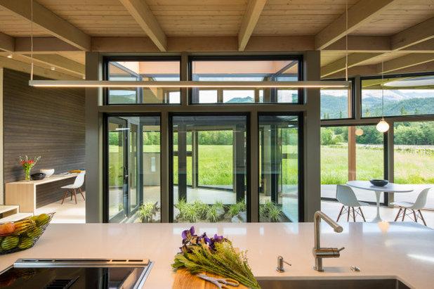 Модернизм Кухня by David Coleman / Architecture