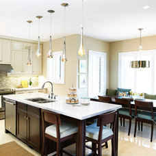 Traditional Kitchen by Sealy Design Inc.