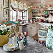 Farmhouse Kitchen by Bill Mathews Photographer, Inc