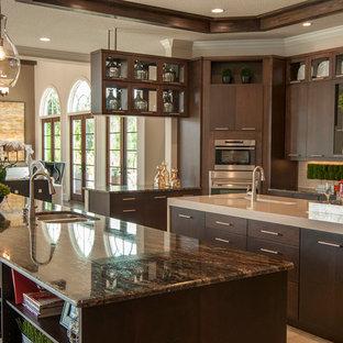 Transitional kitchen photo in Orlando
