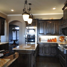 Traditional Kitchen by Fresh Coat Painters of Allen McKinney Frisco Plano
