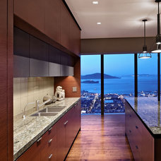 Modern Kitchen by Zack|de Vito Architecture + Construction