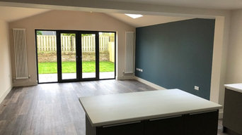Interior spray.  Two tone wood work & one colour walls and ceilings.