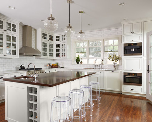 Transitional L Shaped Dark Wood Floor Eat In Kitchen Idea In Minneapolis  With Beaded