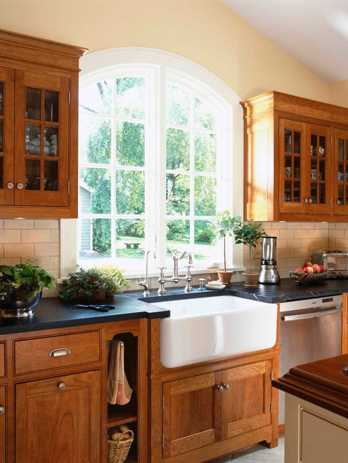 Delightful Ornate Kitchen Photo In New York With Subway Tile Backsplash, A Farmhouse  Sink And Soapstone