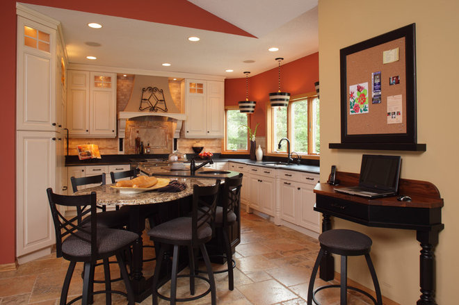 Traditional Kitchen by Sawhill Kitchens