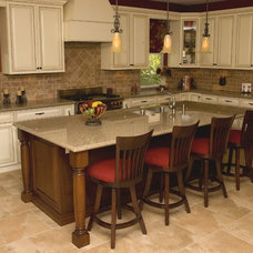 Traditional Kitchen by Randal G. Winter Construction Inc.
