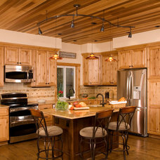 Traditional Kitchen by G Little Construction