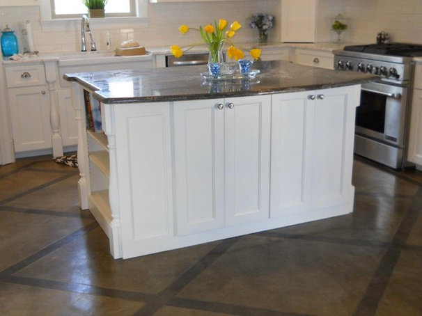 Traditional Kitchen by Rock Tops LLC