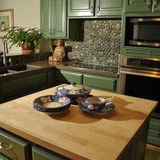 Modern Kitchen by Island Stone