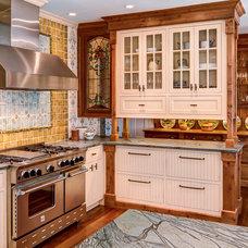 Traditional Kitchen by MAINE COAST KITCHEN DESIGN