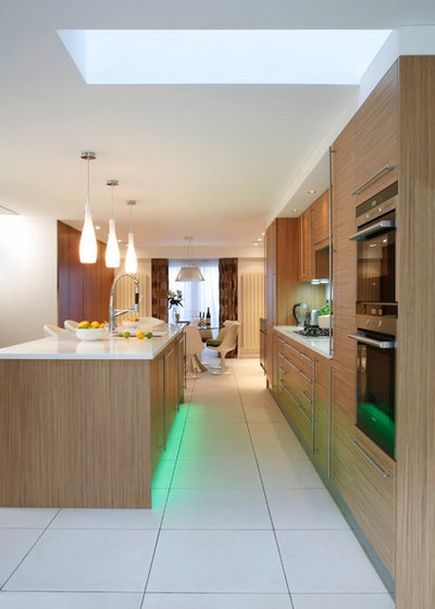 Contemporary Kitchen by Morph Indoor Ltd