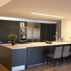 Modern Kitchen by Dan and Hila Israelevitz- Architects