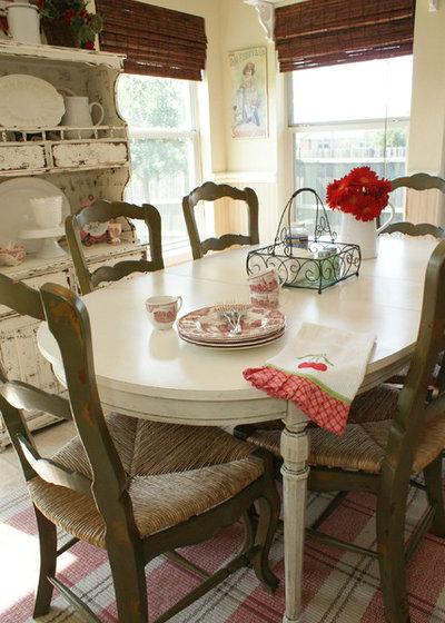 Shabby-chic Style Kitchen by It's a Wannabe Decorator's Life