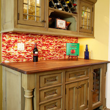 Traditional Kitchen by Royal Kitchen Corp