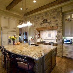 traditional kitchen by Russell Eppright Custom Homes