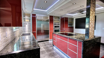 Italian-inspired red glass kitchen