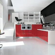 Modern Kitchen by Yamini Kitchens & More