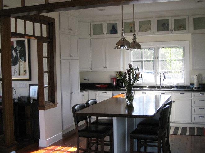 Beach Style Kitchen by Flagg Coastal Homes