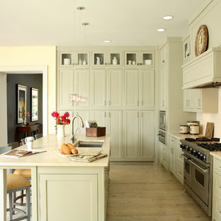 Traditional kitchen designs - Kitchen - traditional u-shaped kitchen idea in Atlanta with stainless steel appliances, a single-bowl sink, gray cabinets, white backsplash, subway tile backsplash and beaded inset cabinets