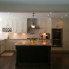 Traditional Kitchen by DirectBuy of Hamilton-Niagara