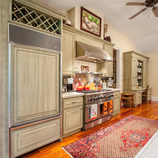 Traditional Kitchen by CHEATHAM FLETCHER SCOTT ARCHITECTS