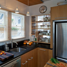 Contemporary Kitchen by Shelterwerkes Architecture