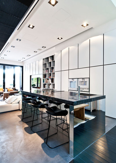 Contemporary Kitchen by A_Collective Architects