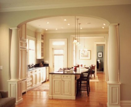 Traditional Kitchen by James G. Stavoy Architect AIA