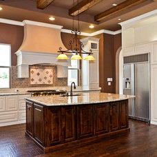 Traditional Kitchen by Designer