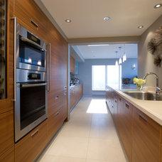 Contemporary Kitchen by jamesthomas, LLC