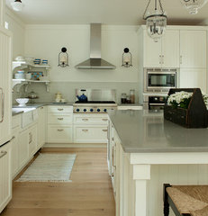 traditional kitchen by jamesthomas, LLC