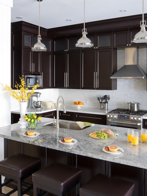 inspiration for a transitional kitchen remodel in toronto with an undermount sink shaker cabinets