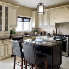 Traditional Kitchen by Jane Lockhart Interior Design