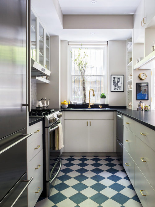 Best Traditional Galley Kitchen Design Ideas Remodel Pictures Houzz
